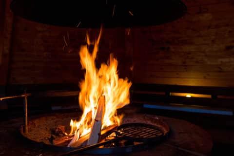 Feuer in einer Feuerstelle