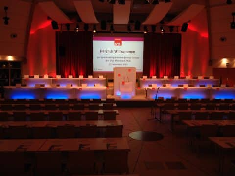 Parlamentsbestuhlung bei einer Konferenz der SPD