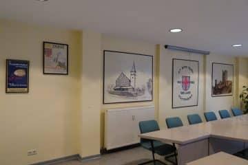 Sitzungssaal-I geschichtliche Galerie