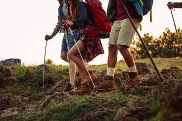 Wanderer mit Wanderstöcken